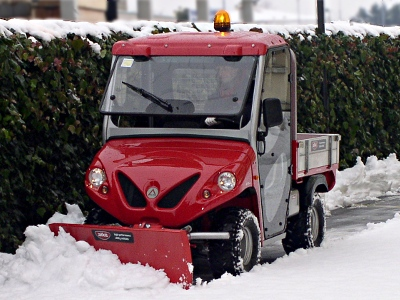 Alke electric truck with snow plough
