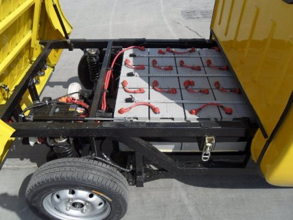 E Truck battery pack sits on chassis rails1 427x320