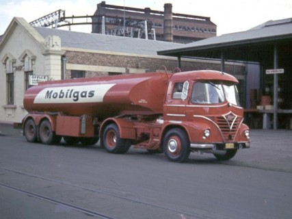 Foden at Mobil 1962 3 427x320
