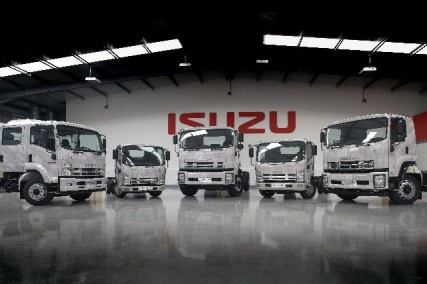 ISUZU 2010 Line up2 427x2841