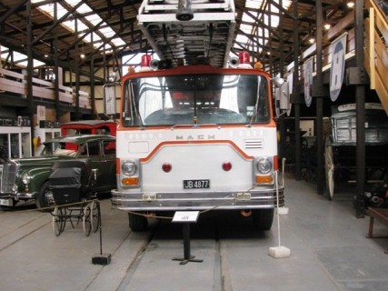 Mack Fire Engine 427x320