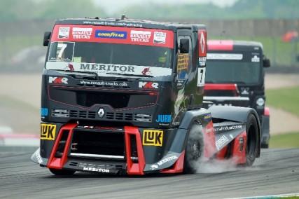 truck racing 04 2011 7 427x284